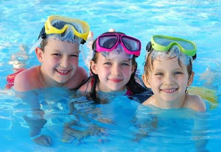 cách sử dụng nút bịt tai chống ồn khi bơi