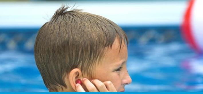 nước vào tai khi bơi