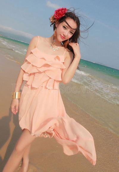 mix đồ nữ đi biển đẹp với váy xếp tầng