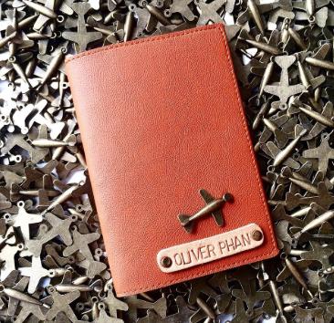 một chiếc ví khắc tên vô cùng độc đáo và đơn giản